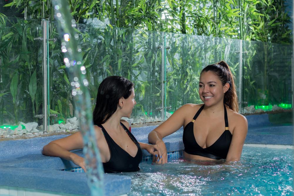Dia de spa para amigas Anna Peñafort y Kahren Rondon